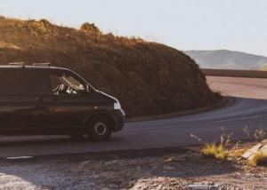 Discovery van, by Creativando