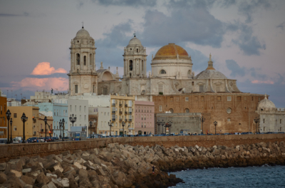¡A por la Pepa! Team Building en Cádiz